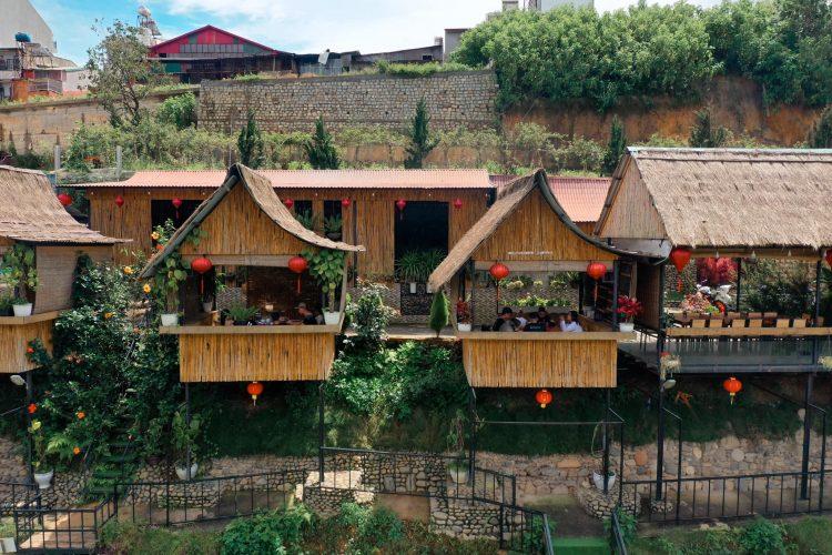Khung cảnh tại An Sơn Hồ giống với Phượng Hoàng Cổ Trấn thu nhỏ