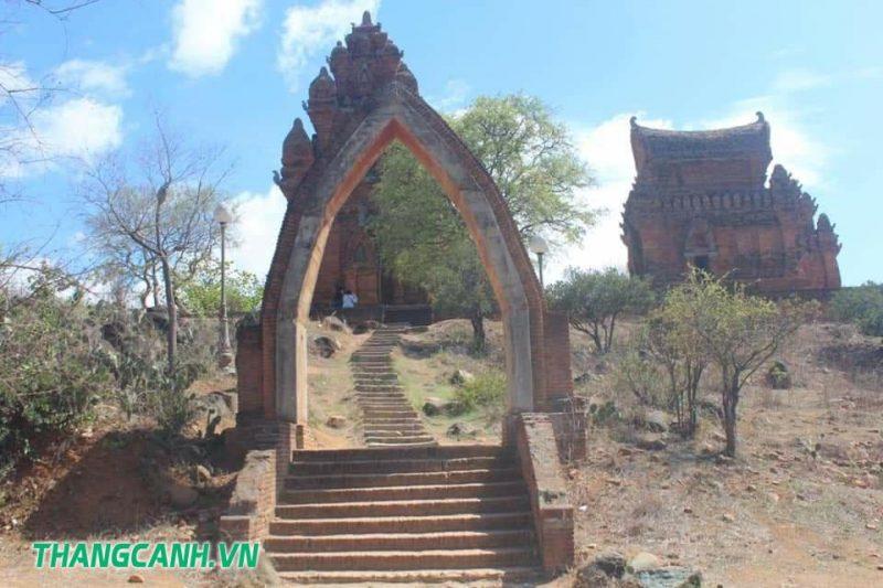 Tháp Pô Klong Garai