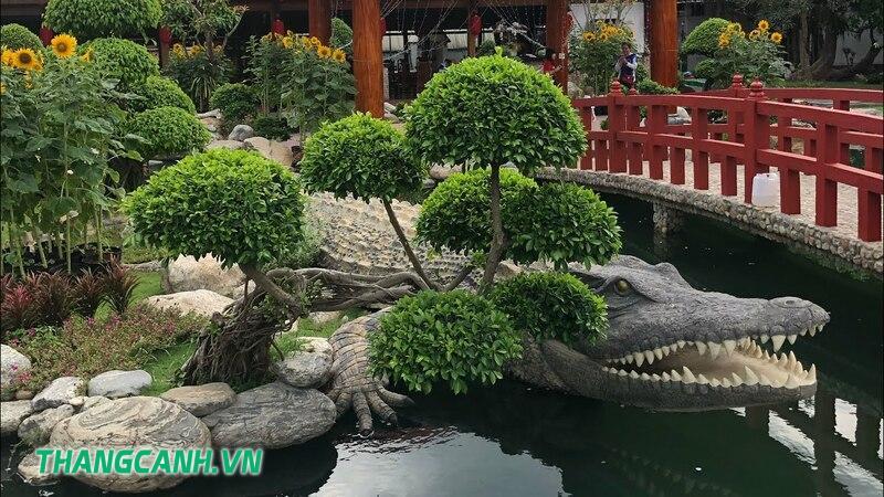 Trại cá sấu Long Xuyên